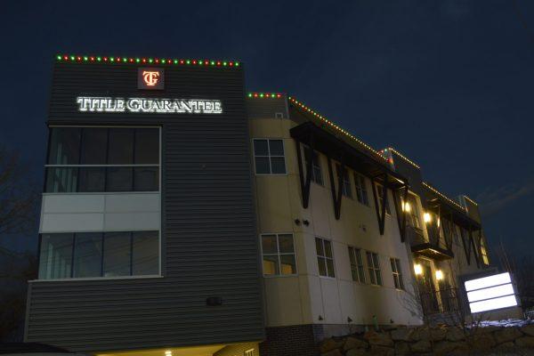 jellyfish-lighting-commercial-christmas-lighting-scaled