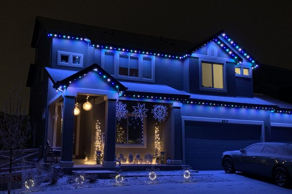 permanent-christmas-lights-blue-scaled